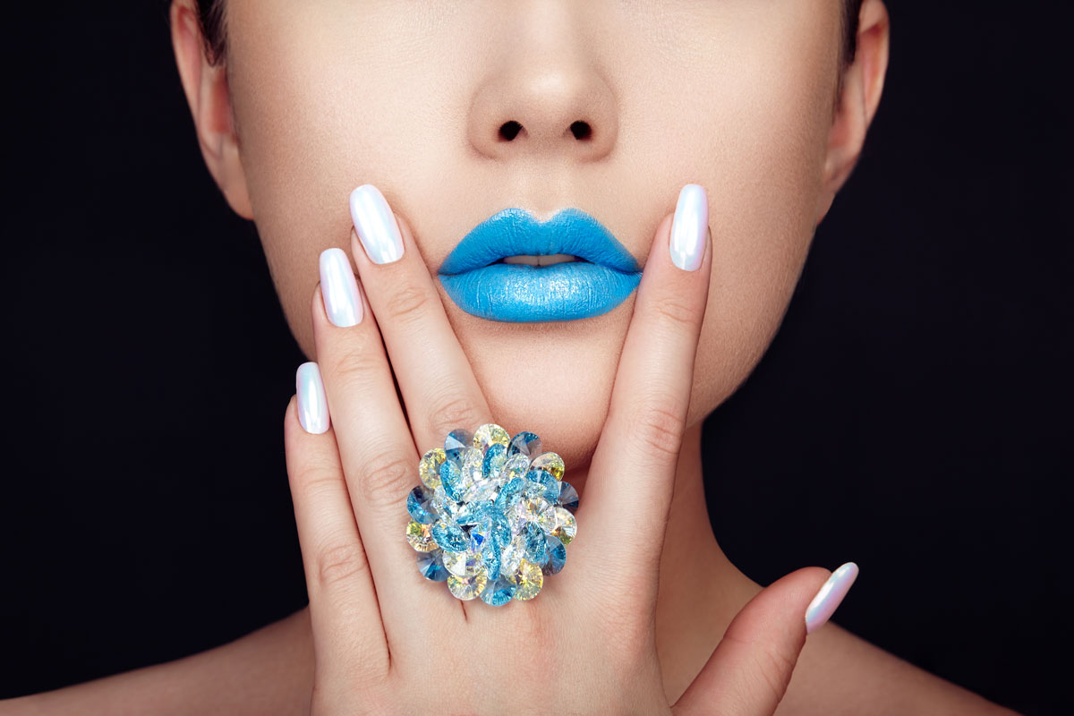 beauty girl face close up with blue lips P8AL6ZR The Plus Addons for Elementor